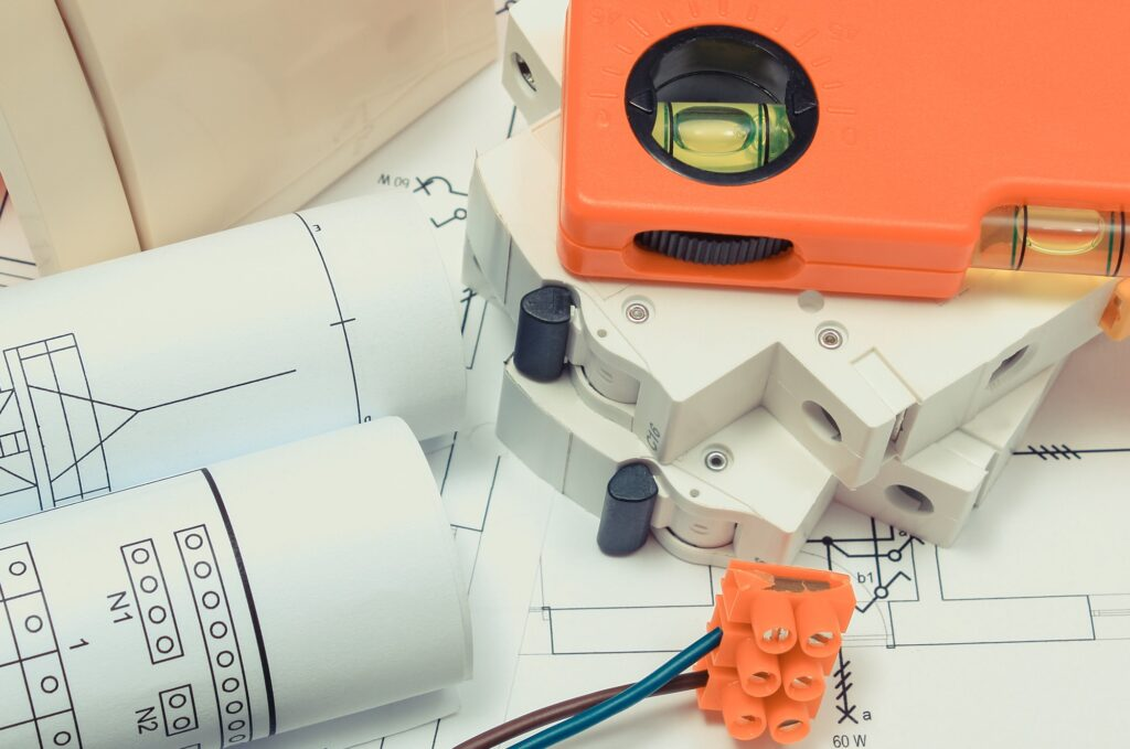 Components for electrical installations and diagrams of house