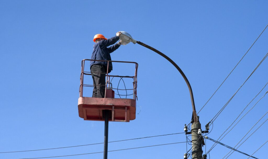 electrician climb work installing